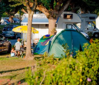 emplacement électrifié camping ametza