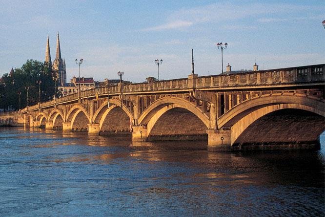 pont saint esprit camping bayonne