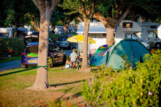 emplacement electrifié camping ametza